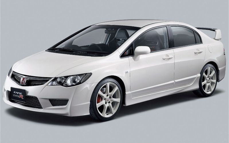 honda-civic-type-r-FD2-white-front-three-quarter